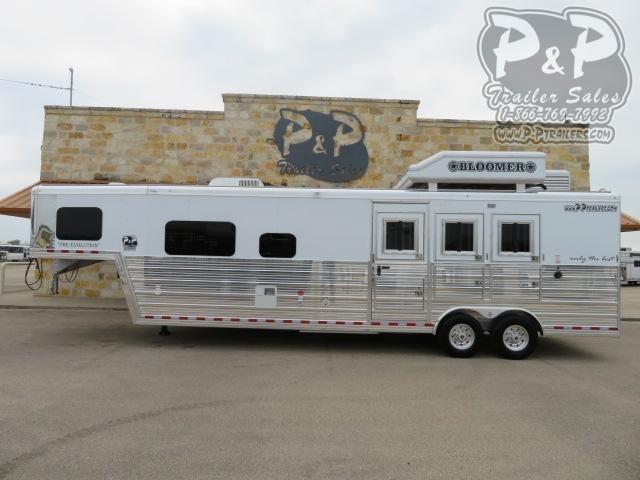 2021 Bloomer Outlaw Proline XP 3 Horse Slant Load Trailer 12.67 FT LQ
