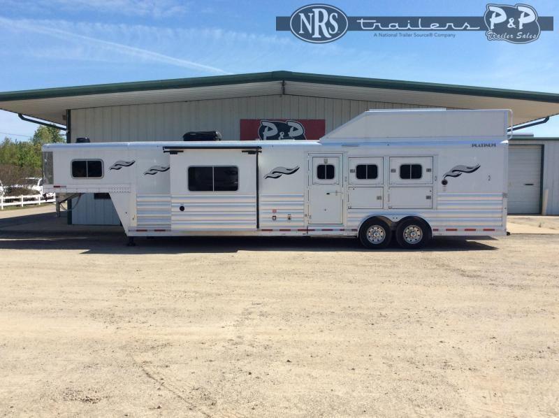 2021 Platinum Coach 8315RSLOL 3 Horse Slant Load Trailer 15 FT LQ w/ Slideouts