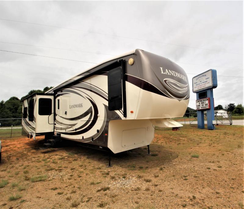 2011 Heartland RV Landmark San Antonio Fifth Wheel