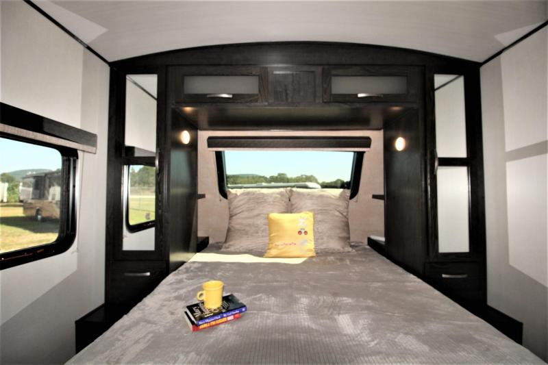 2019 Forest River Surveyor Luxury 271RLS Travel Trailer RV