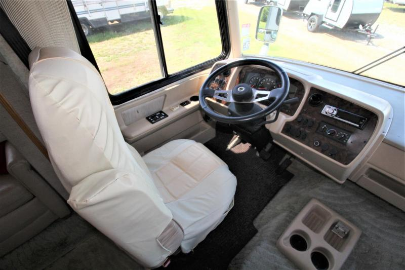 2005 Newmar Kountry Star 3740 Class A RV