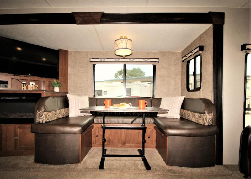 2017 Coachmen By Forest River Freedom Express Liberty Edition 293RLDS Travel Trailer RV