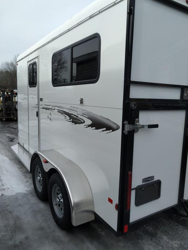 Cotner Royal Dressing Room Horse Trailer