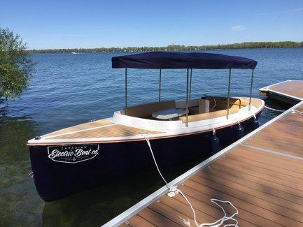 2021 Fantail 217 Electric Runabout Boat