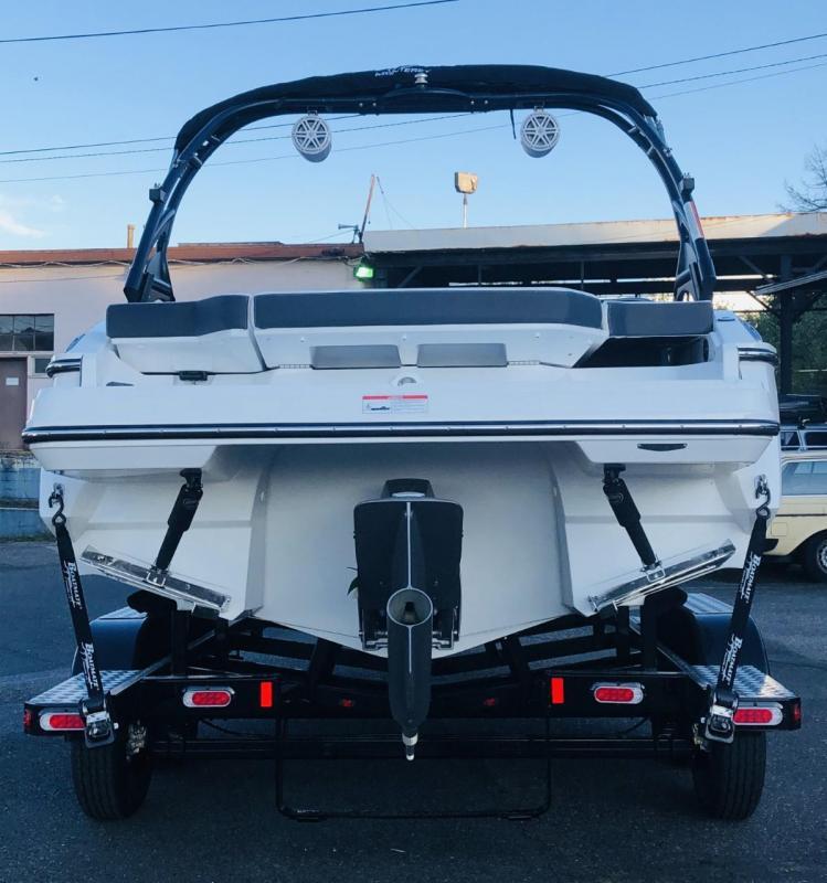 2020 Monterey Boats 238SS Surf Bowrider