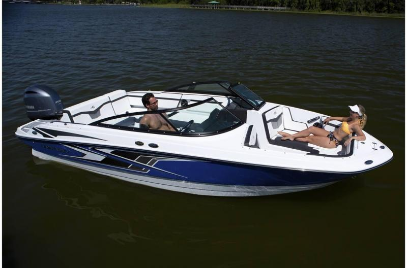 2022 Monterey Boats M-225