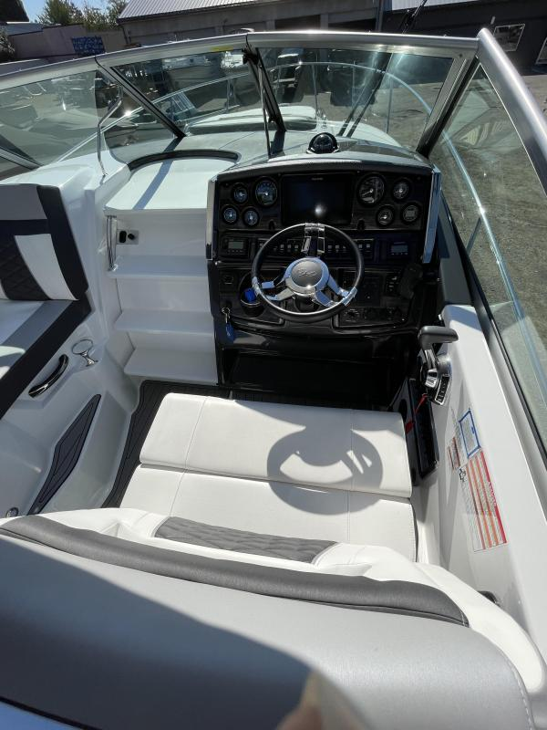 2021 Monterey Boats 295SY Yacht
