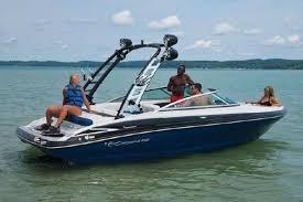 2022 Crownline 220 SS Surf Boat