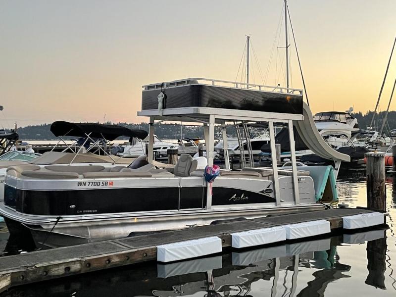 2018 Avalon Catalina Funship 2585 Pontoon Boat