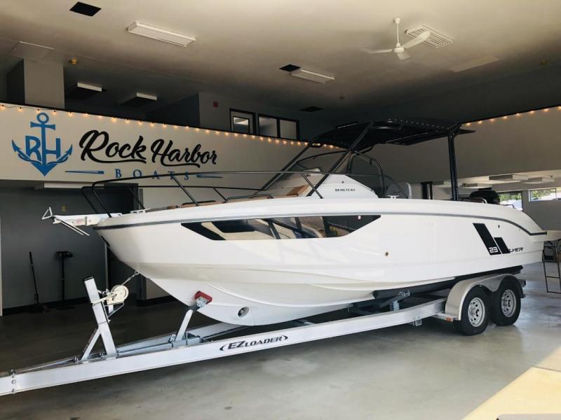 2021 Beneteau Flyer 8 SUNdeck Power Boat