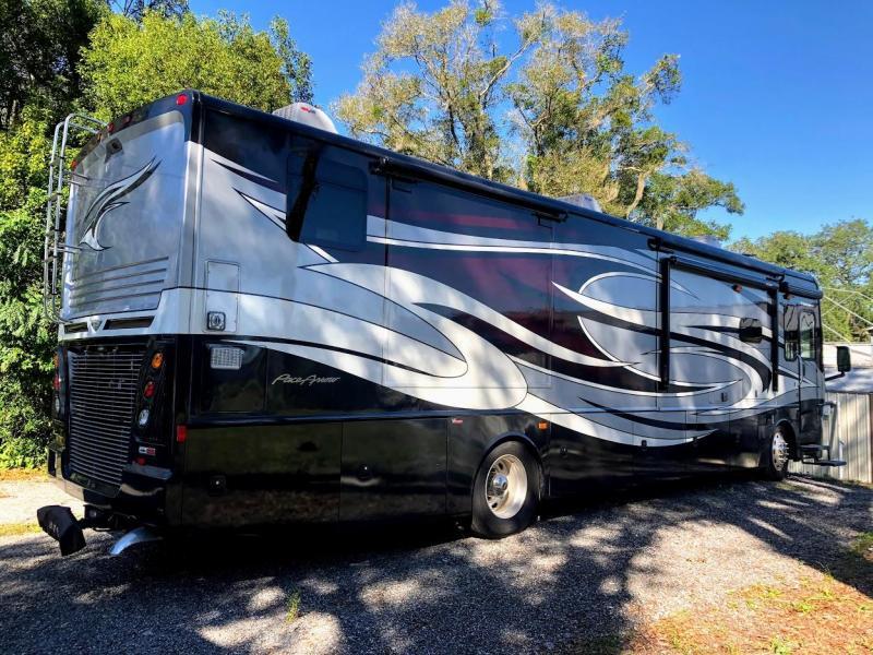 2017 Fleetwood RV Pace Arrow LXE 38K Class A Diesel Pusher RV