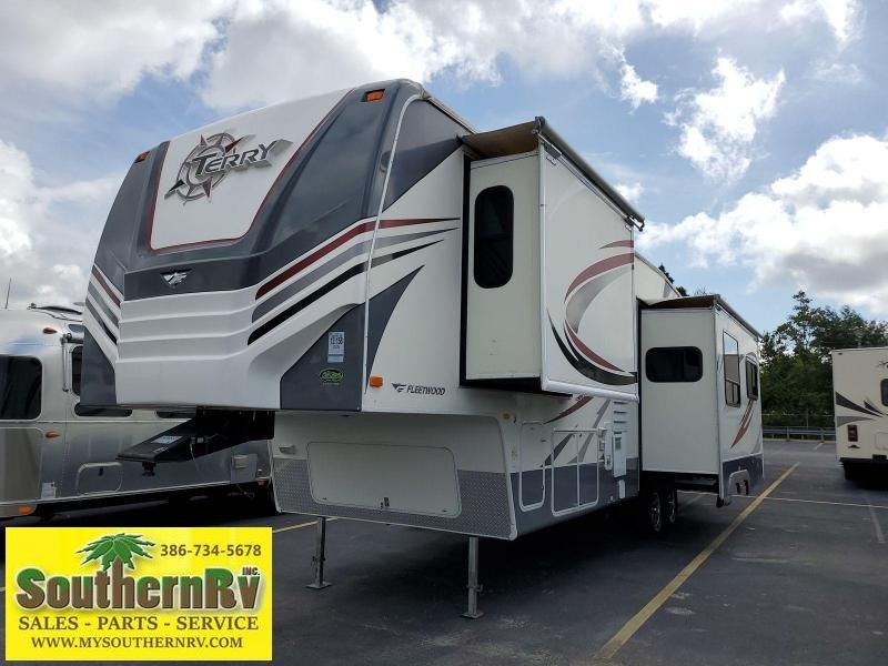 2009 Fleetwood Terry 305RLTS Fifth Wheel Campers RV