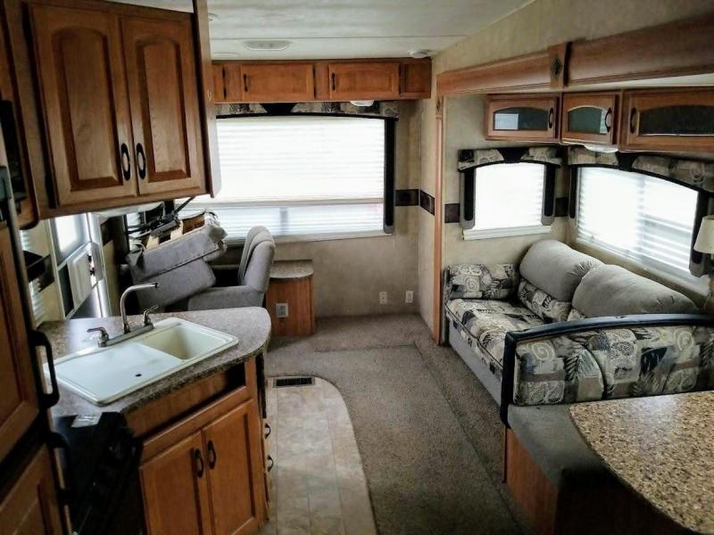 2009 Keystone RV Copper Canyon 252 RLS Fifth Wheel Campers RV