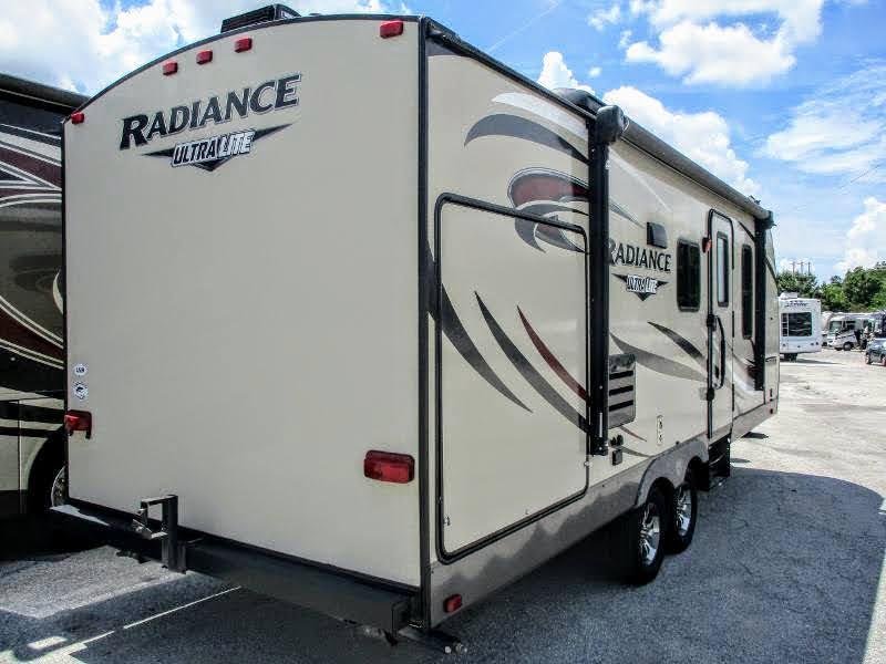 2017 Cruiser RV Radiance Ultra Lite 23RB Travel Trailer RV