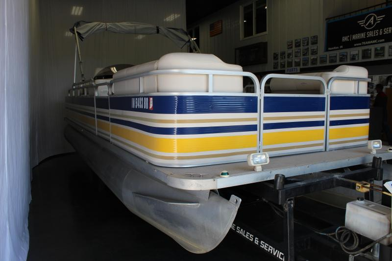2000 Sylvan 824 FISH-N-CRUISE Pontoon Boat