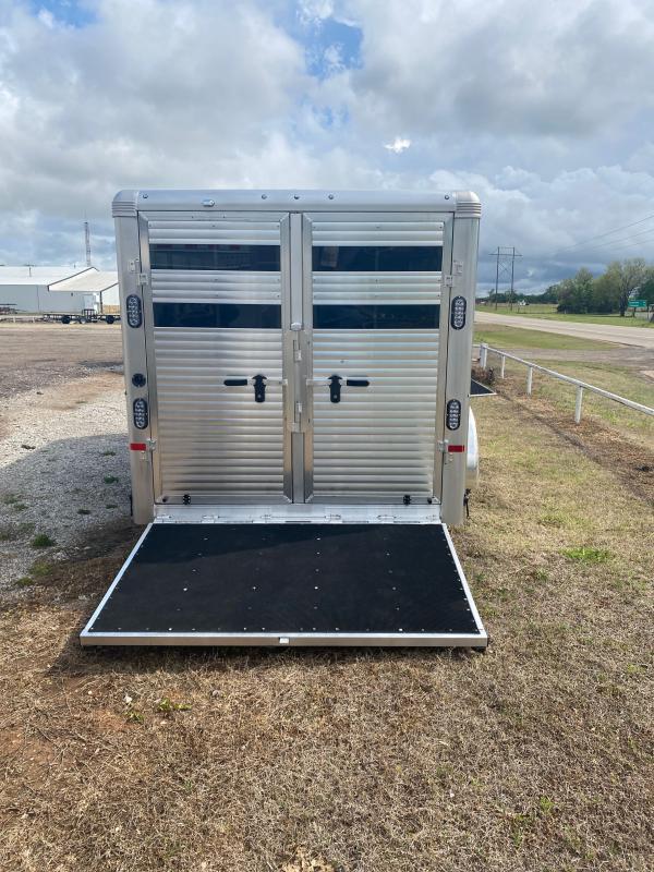 2021 Sundowner Trailers SHOMAN16BP Livestock Trailer