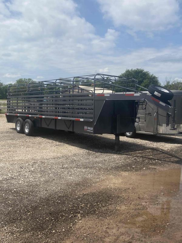 2021 W-W Trailer ROUSTABOUT Livestock Trailer