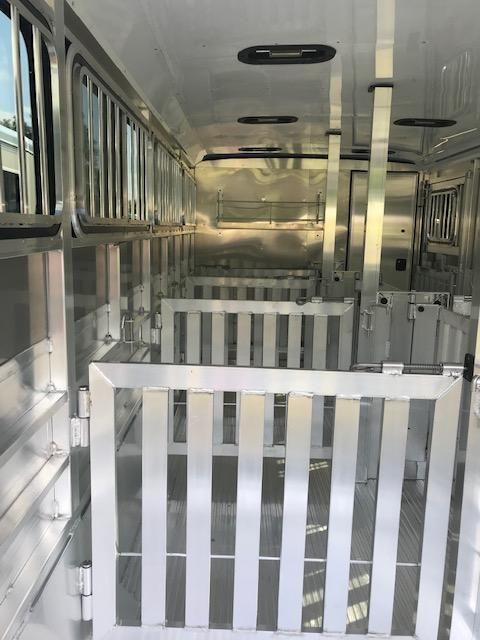2022 Exiss Exhibitor 720W BP Livestock Trailer Lined/Insulated & AC ON ORDER