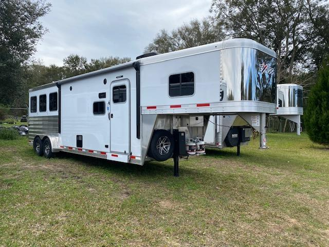 2021 Exiss Escape 3H 10.5' LQ Horse Trailer