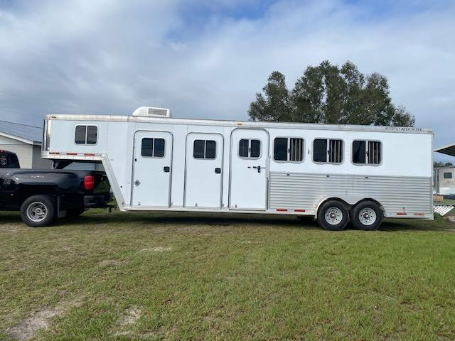 2006 Featherlite 2006 Featherlite 4H Mid Tack and AC Horse Trailer