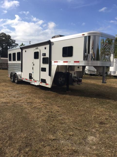 2022 Escape 7308 Horse Trailer