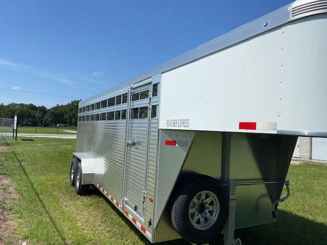 2021 Sundowner Trailers Rancher 20' GN Horse Trailer
