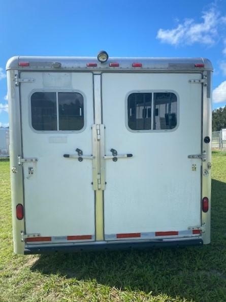 2000 Sooner 8310 LQ Horse Trailer