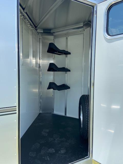 2021 Sundowner Trailers Super Sport 3H BP Horse Trailer