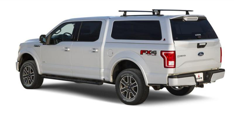 Leer 100XQ Sport Cab-High Fiberglass Truck Cap