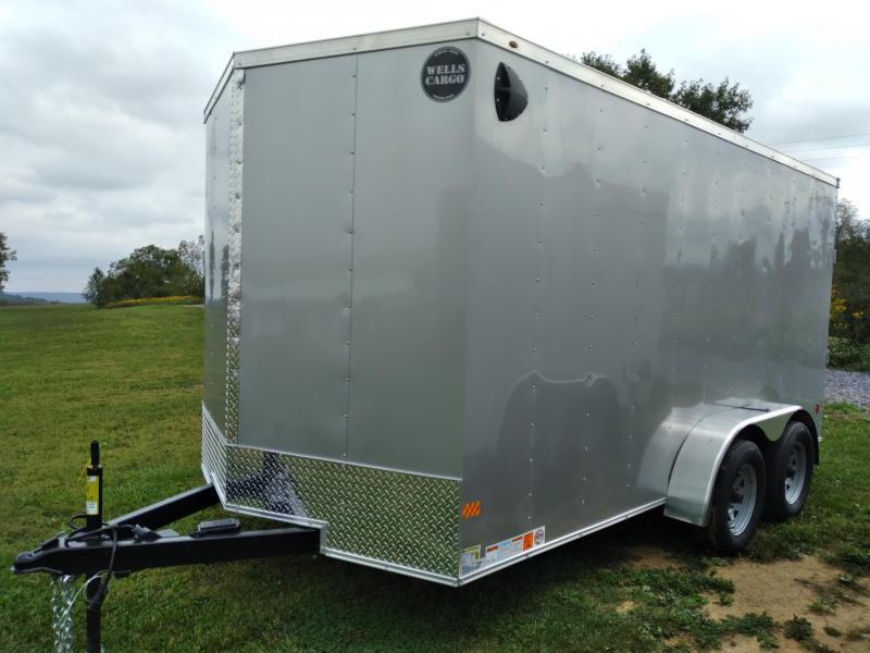2022 Wells Cargo Fast Trac Deluxe Enclosed Cargo Trailer