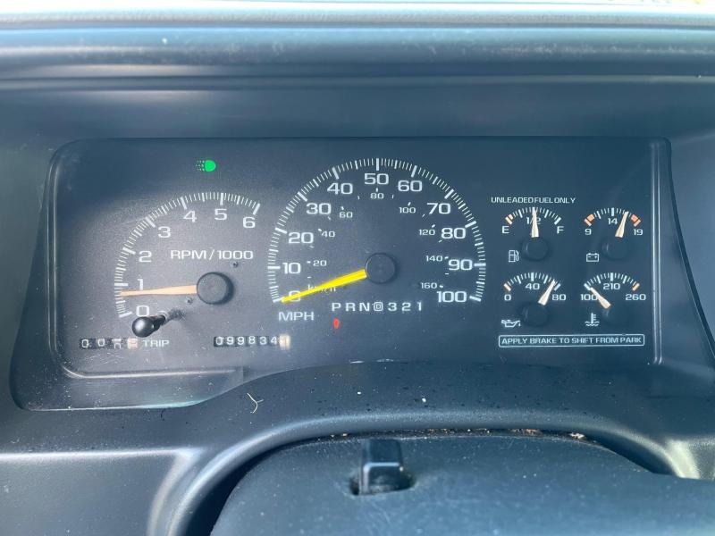 2002 Chevrolet 3500 HD Bucket Truck