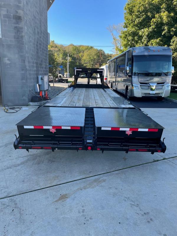 2022 PJ Trailers LS252 (25FT) Equipment Trailer