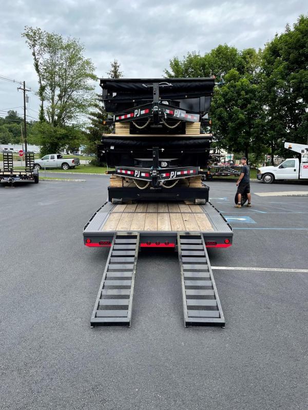 2021 Load Trail GC0240073 Equipment Trailer
