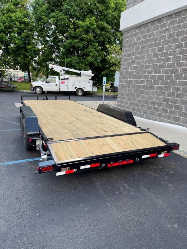 2021 Load Trail XH8320052 (20ft) Equipment Trailer