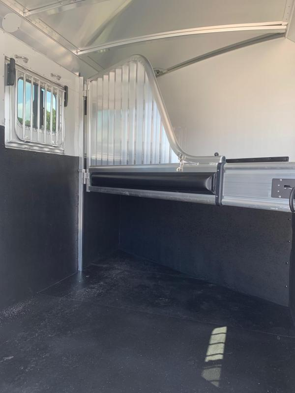 2022 4-Star Trailers Runabout 2 Horse Slant Load Horse Trailer