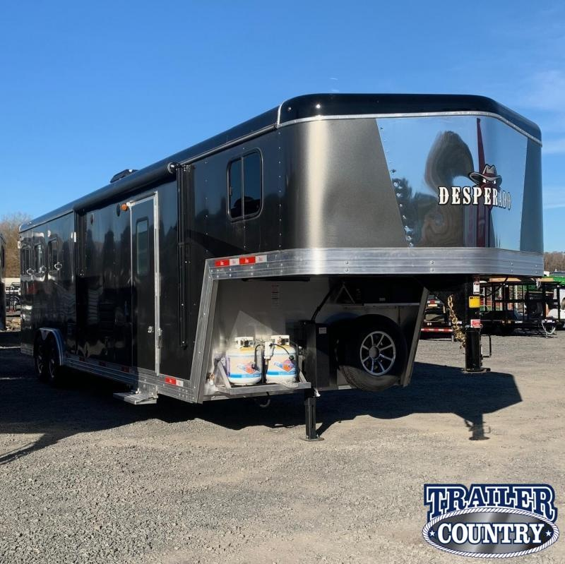 2021 Bison Trailers 8311 Desperado 3 Horse Living Quarters Horse Trailer