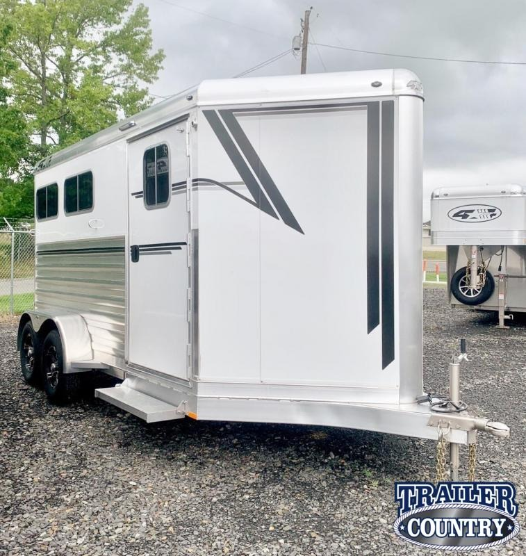 2022 4-Star Trailers 2 Horse Runabout Bumper Pull Slant Load Horse Trailer