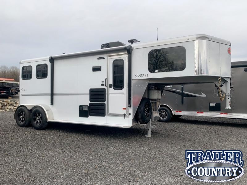 2021 Sundowner Trailers 2 Horse Sante Fe Super Sport Living Quarters Horse Trailer