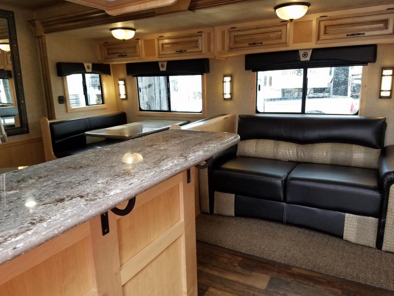 ***FREE 14' DELTA STOCK WITH PURCHASE 2019 Bison LIVING QUARTERS 4 HORSE PREMIERE