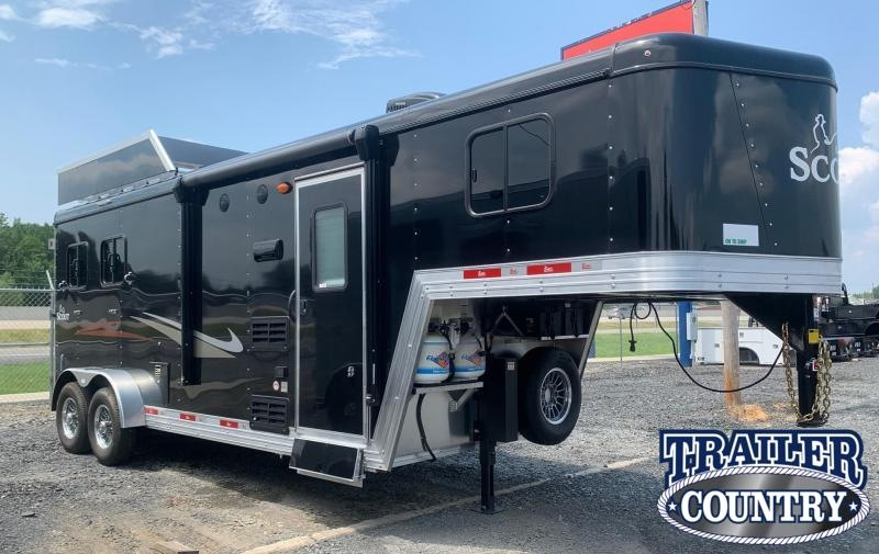 2022 Bison Trailers Scout 3 Horse Living Quarters Horse Trailer