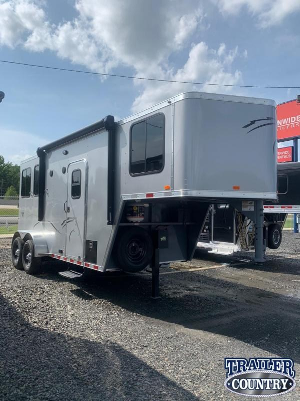 2022 Dixie Star Trail Rider 2 Horse with Weekender Horse Trailer
