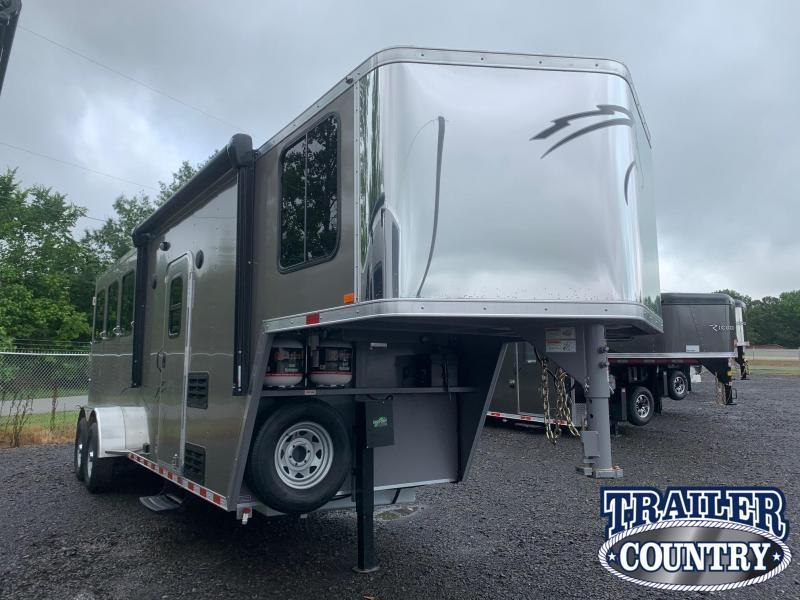 2022 Dixie Star Trail Rider 3 Horse with Weekender Horse Trailer