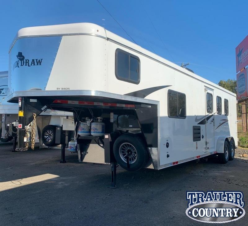 2021 Bison Trailers Quickdraw 3 Horse Trailer with Living Quarters