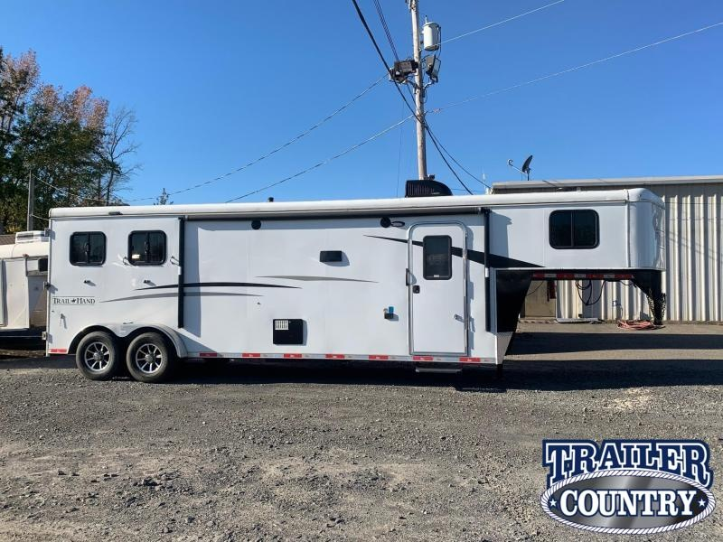 2019 Bison Trailers Trail Hand Horse Trailer