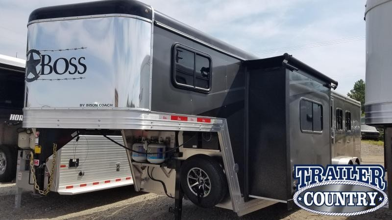 ***PRICE REDUCTION***2020 Bison LIVING QUARTERS 7311 TRAIL BOSS Horse Trailer
