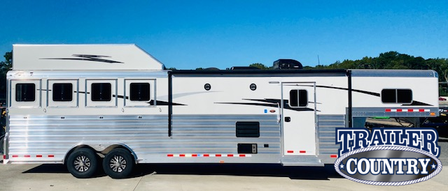 2021 4 Star Trailers 4 Horse Living Quarters Horse Trailer