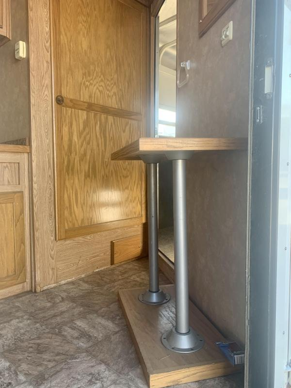 2006 Trails West Xpress 4 Horse Horse Trailer with Living Quarters