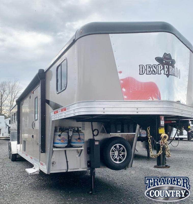 2021 Bison Trailers 7411S Desperado 4 Horse Living Quarters Trailer with Slide Out