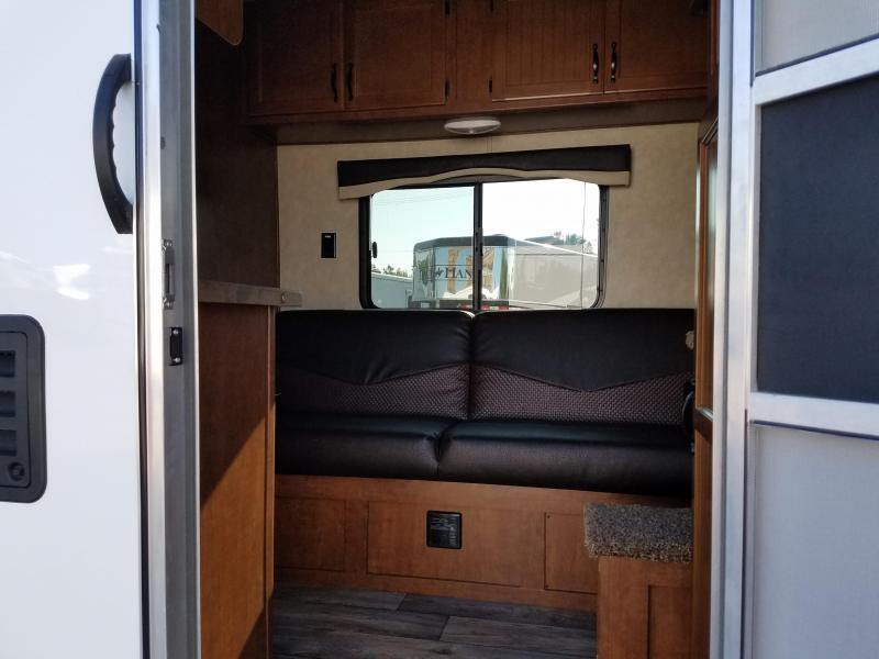 ***NEW YEAR CLEARANCE*** 2019 BISON LIVING QUARTERS 7209TB Trailer