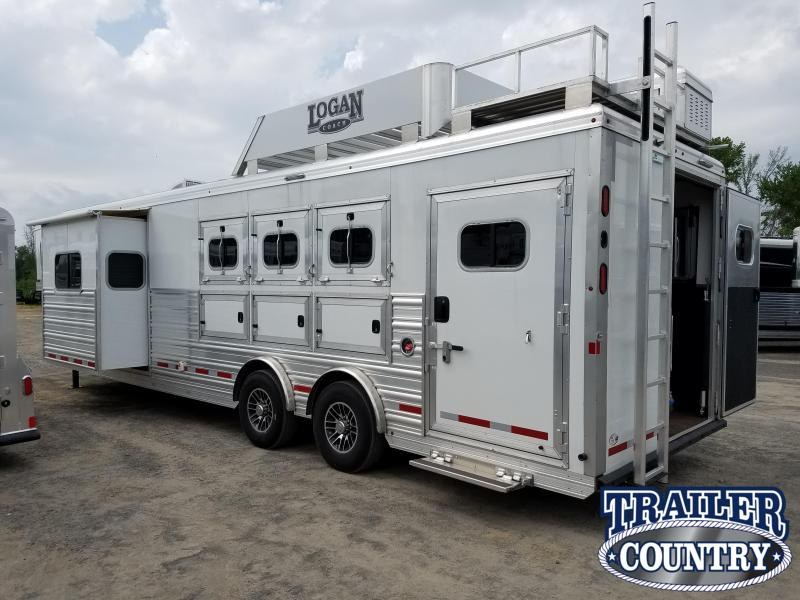 2019  ** CLEARANCE **  HORSE TRAILER W/ LIVING QUARTERS